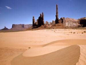 Monuments_Desert_Southwest_1600x1200
